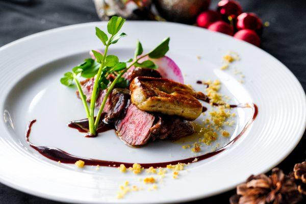 【ディナー】シェフ自慢の魚と肉料理のWメインなど贅沢フルコース全5皿の画像